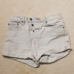 Forever 21 light wash jean shorts button fly